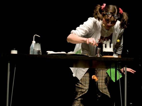 Fête de la Science en Multisites : Spectacle Clown de Science, Melle Renoncule